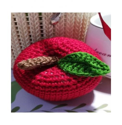 Artisanal Workshop for Apple Knitwear